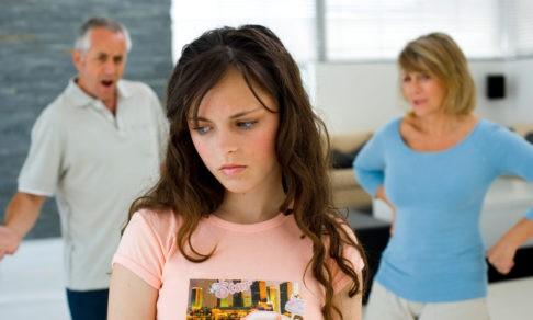 Они кричат ребенку: «Неблагодарный!» Но дурные поступки — это крик боли и одиночества