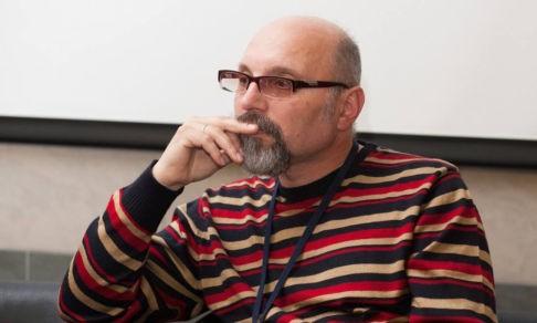 «Жизни нас учит только ОБЖ». Педагог Анатолий Шперх — о том, почему школа оторвана от реальности