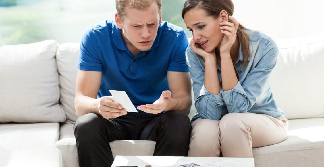 «Все, что заработаю — мое, а муж счета оплатит». Как устроить семейный бюджет