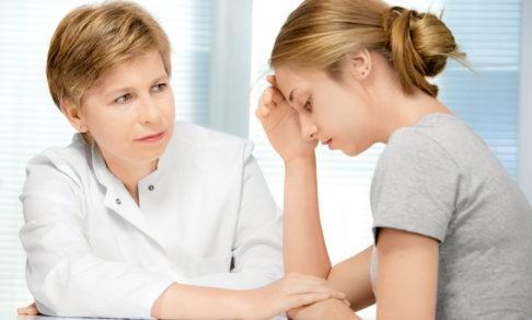 Врач должен будет рассказать родителям о здоровье подростка. Хорошо это или плохо — объясняют адвокаты