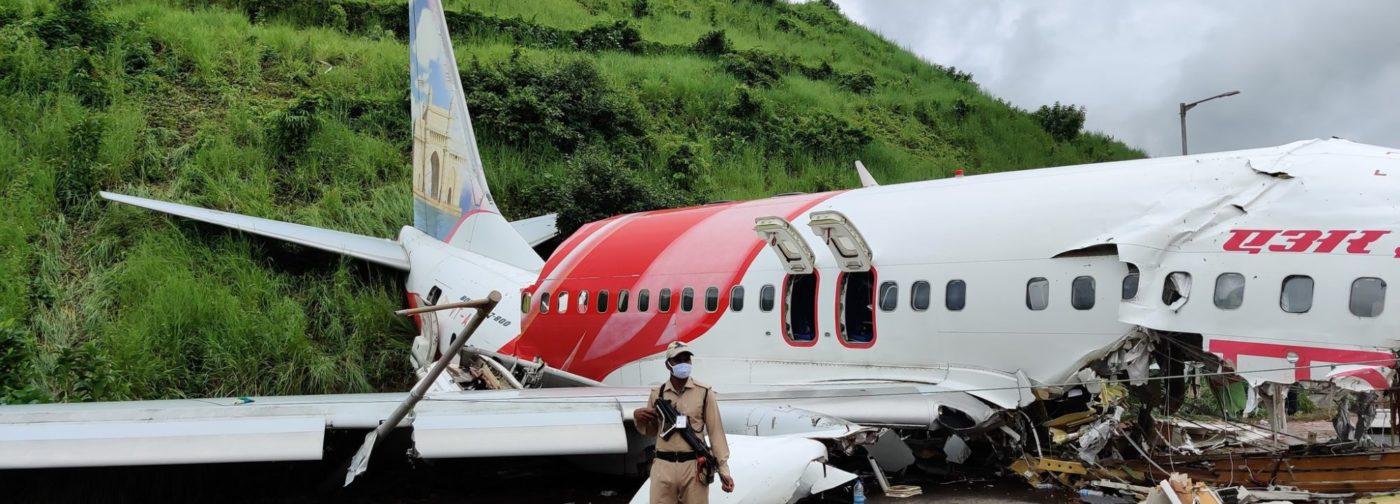 «Наш самолет раскололся надвое». Что вспоминают люди, выжившие в авиакатастрофе Air India Express