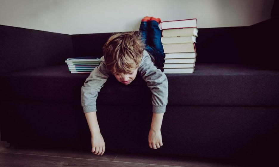 Ребенок не хочет идти в школу, что делать? Отвечает психолог