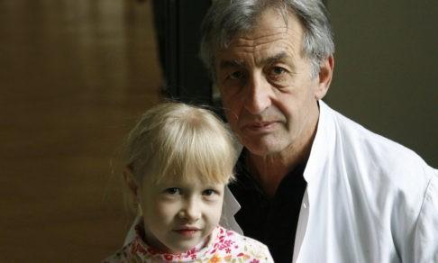 «Нельзя на ходу отвечать на вопросы родителей». Кардиохирург Владимир Алекси-Месхишвили — о детях с пороками сердца