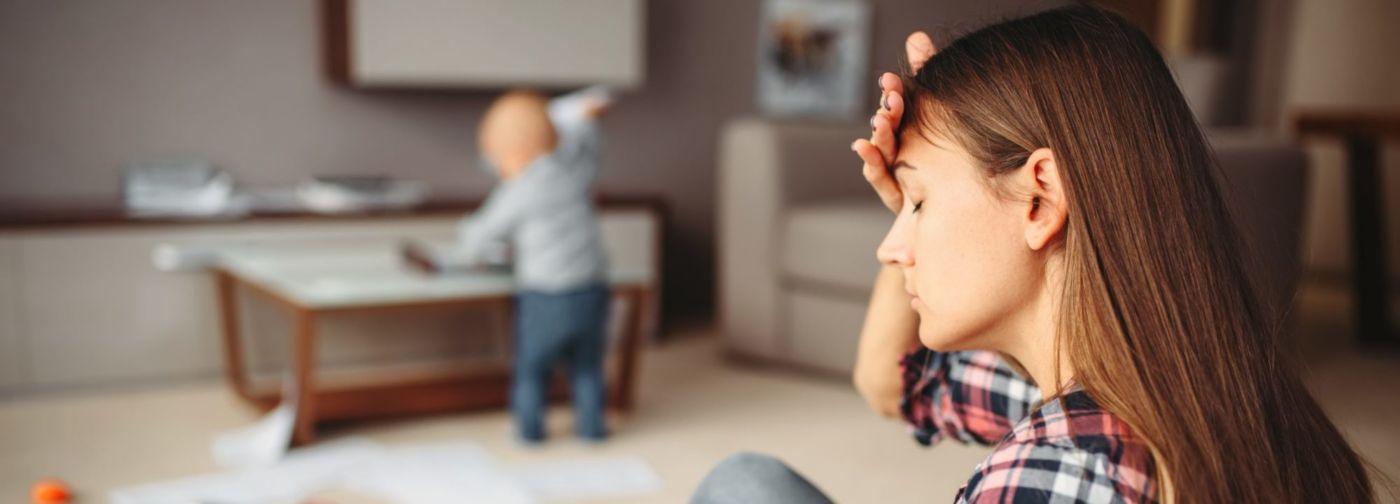«Тревожная мать — это уже мем». Психолог Алина Рябый — о нереальных требованиях к родителям