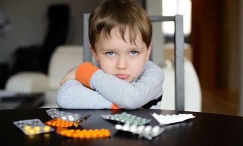 «Только после курса ноотропов наш ребенок заговорил». Что думают врачи о лекарствах, которые не изучены