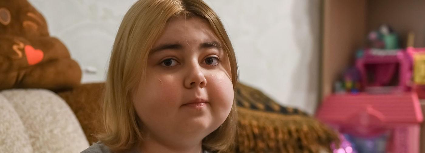 Лиза снова сможет есть без боли, если лечиться. Но один укол стоит 40 тысяч рублей