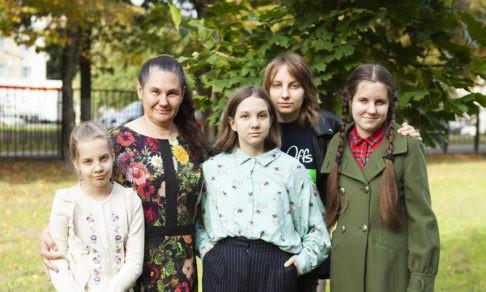 «Я много раз задавала себе вопрос: почему?» У всех дочерей Елены — эпилепсия