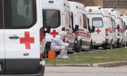 Врачи не едут, в тестах отказывают, больницы переполнены из-за ковида. Это происходит по всей России