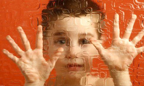Как распознать аутизм у ребенка? Что об этом говорит наука
