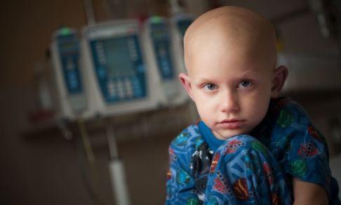 «Без лекарств будут умирать дети». Противоопухолевые препараты в России пропали с рынка по всей стране