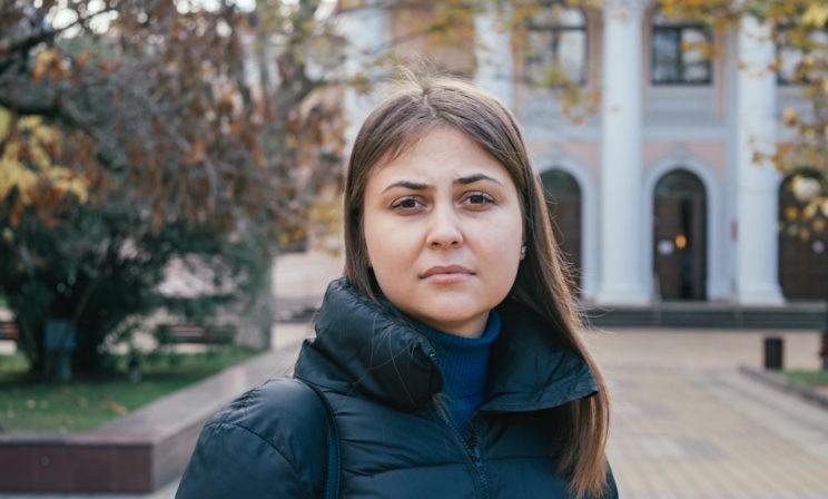 Без лекарства Настя не может встать с постели. Шесть флаконов стоят почти миллион рублей