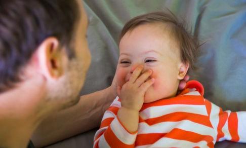 Отец кричал: «Мне не нужен такой ребенок!» А во второй семье у него родилась особая дочь