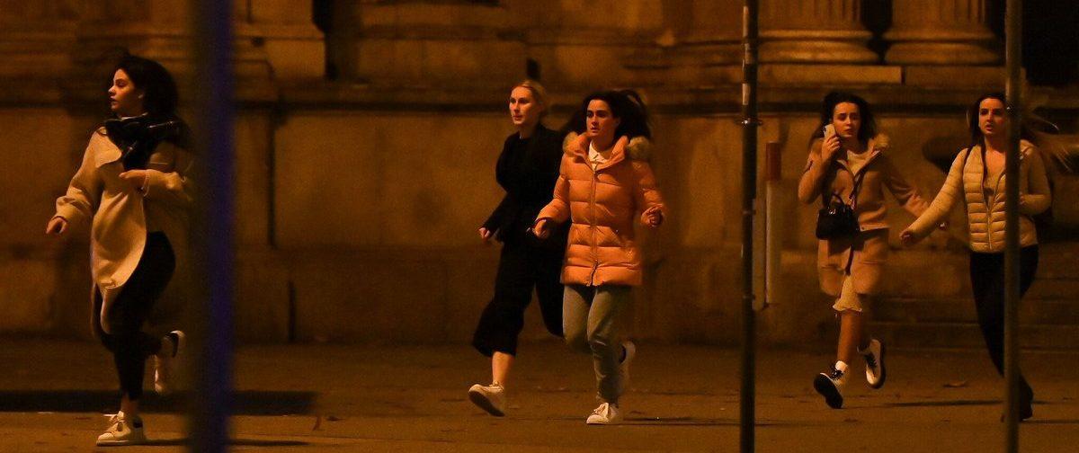 Очевидцы теракта в Вене: «Они стреляли не менее 100 раз»