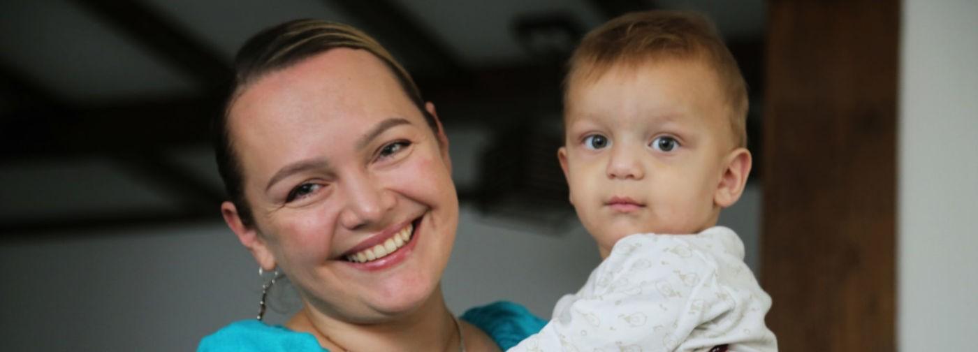 «После первых родов казалось, что я пришла с войны». Мама 9 детей Олеся Лавриенко — о трудностях родительства
