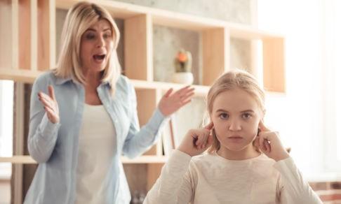 «Кричать на детей нехорошо, но можно». Алина Фаркаш — о том, как сломать это убеждение