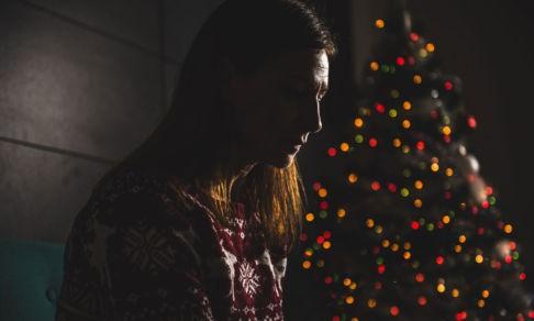 «В Новый год я остался один». Истории людей, которые попали в беду накануне праздника и справились