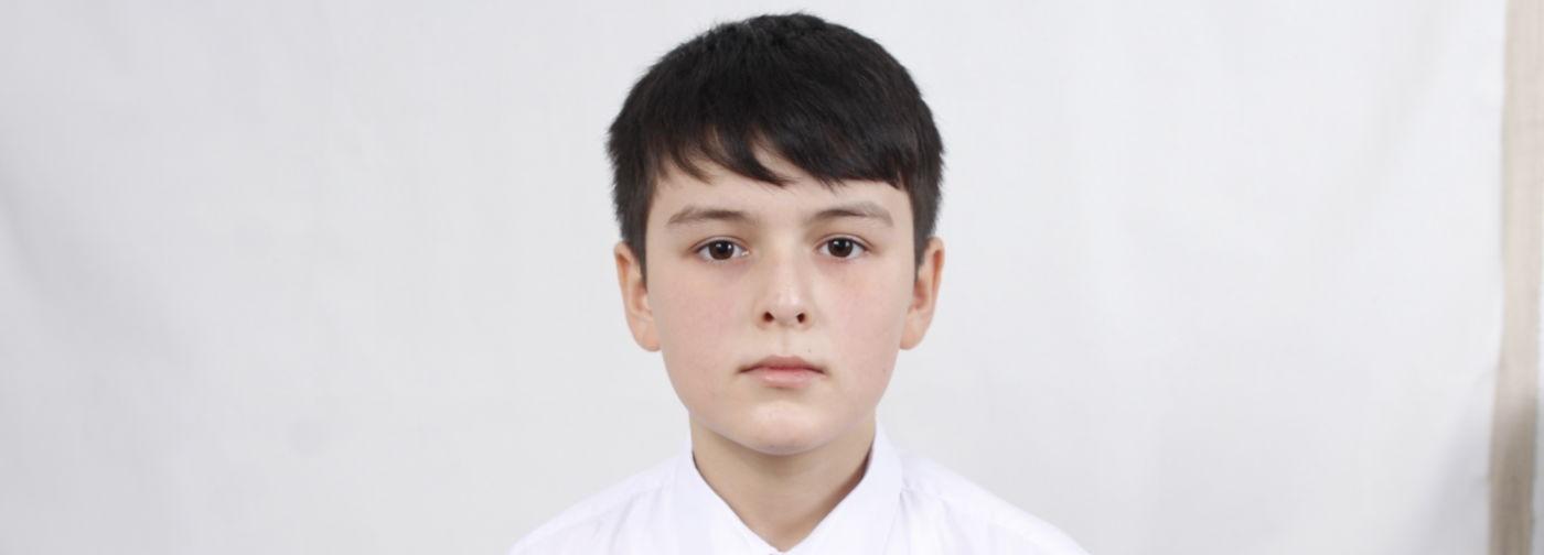 Занял третье место на конкурсе юных пианистов в Пекине и заболел раком. Теперь Юсуфу нужна химиотерапия