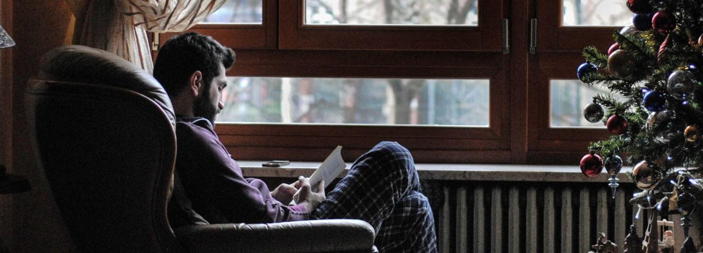 Скоро Новый год, сил нет, а тревога растет. Вот книги, с которыми вы почувствуете себя в безопасности