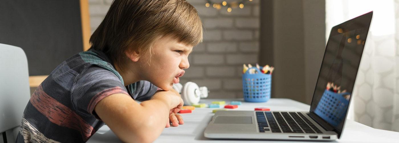 «Учиться онлайн — это как дышать с кислородной маской». Педагоги — об итогах 2020 года