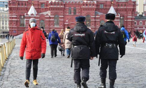 Какие ограничения смягчили в Москве. 5 новых решений по коронавирусу