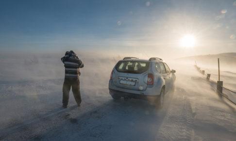 Машина сломалась, мороз и вокруг никого. Что делать?