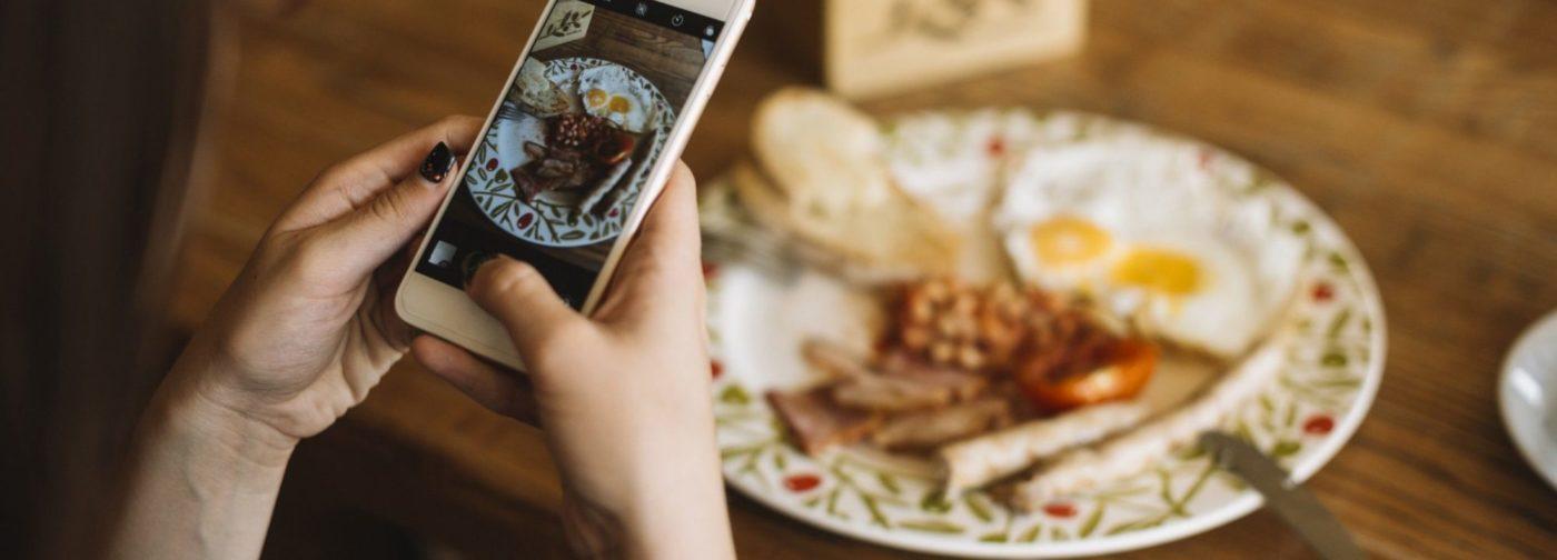 «Зачем еда, если нельзя сделать фото для Instagram?» Как понять, что у меня интернет-зависимость