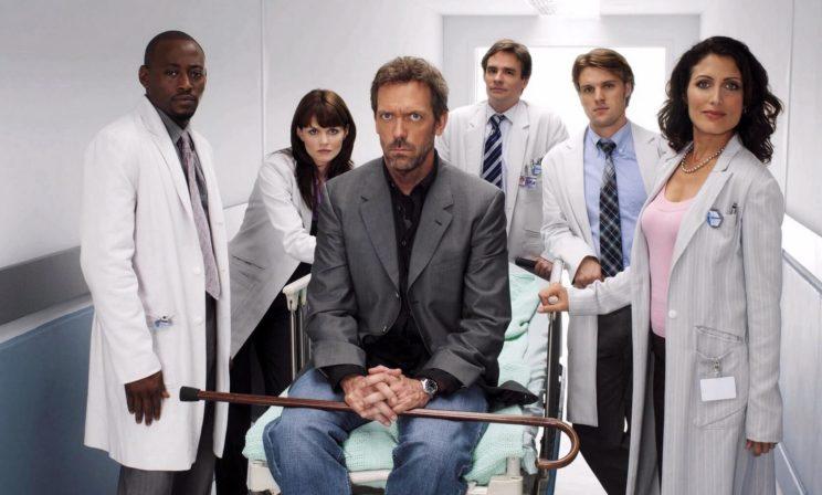 «Из реальной больницы доктора Хауса уволили бы через час». Врачи — о медицинских сериалах