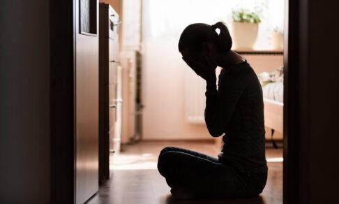 Мама говорила: «Родишь, когда спланируешь», а муж: «Решай сама». Почему никто не остановил от аборта