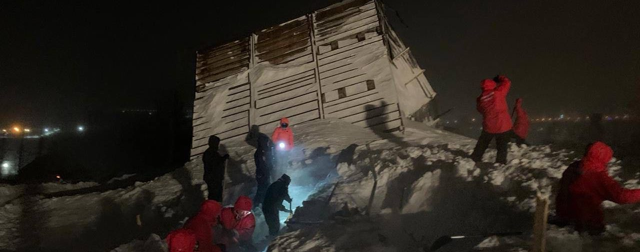 «Люди просто замерзли». Во время схода лавины на горнолыжной базе в Норильске погибла семья с ребенком