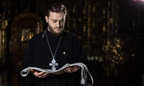 «Я не смог отпевать Лучика». Священник Антоний Смирнов — о потере сына и о том, почему болеют дети