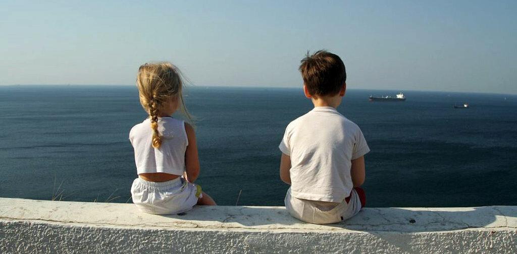 «Сыну шесть лет, и он влюбился». Педагог Дима Зицер — о первом чувстве