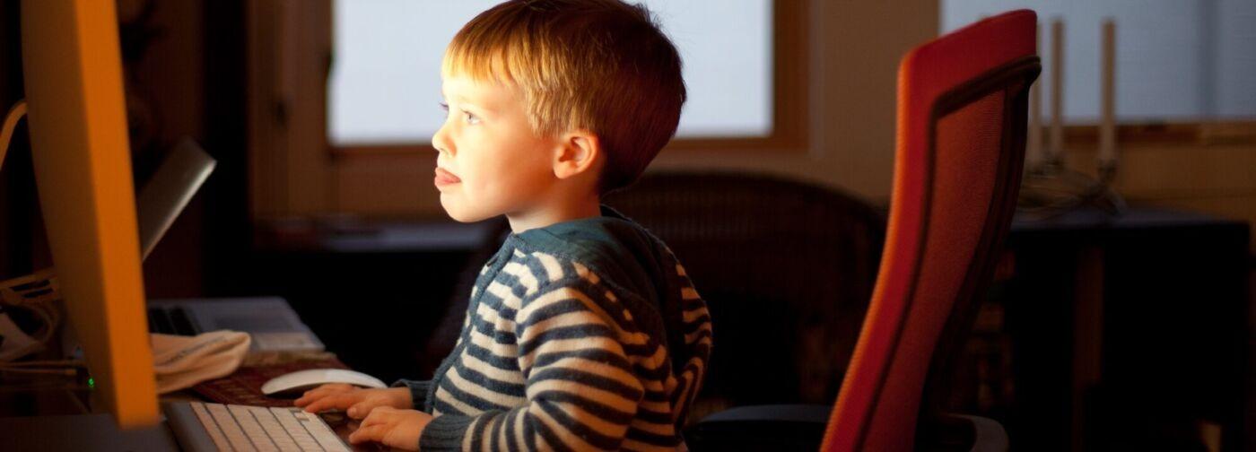 5 главных опасностей соцсетей. Как уберечь детей?