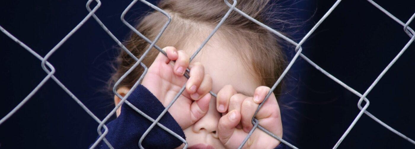 «Дети вне семьи остаются без защиты». Людмила Петрановская — о том, чем опасны закрытые школы и приюты