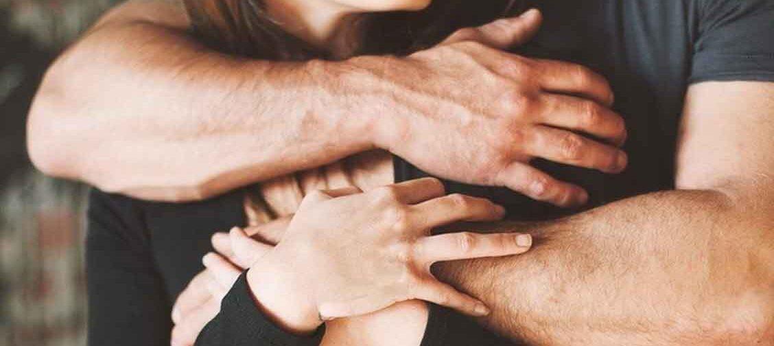 «Дети капризничают, свекровь все критикует, а ссоримся мы с мужем!» Что такое границы пары