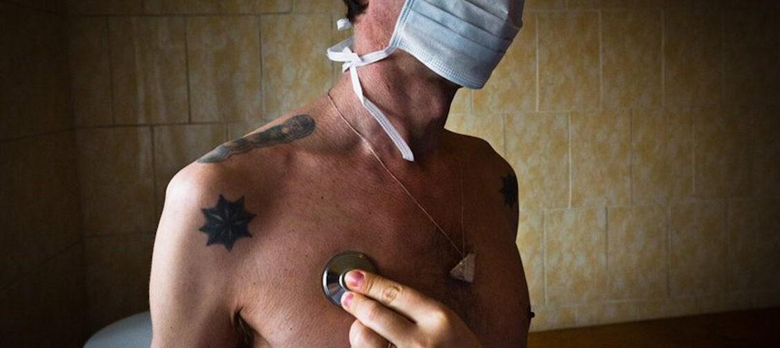 Как оказывают медпомощь заключенным? Священники — о врачах и медицине в тюрьме