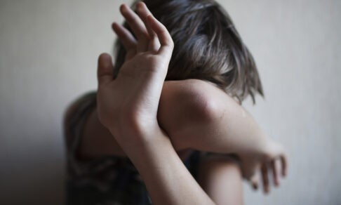 Ребенок остается в детдоме, где его бьют. Все знают и говорят, что этого не было