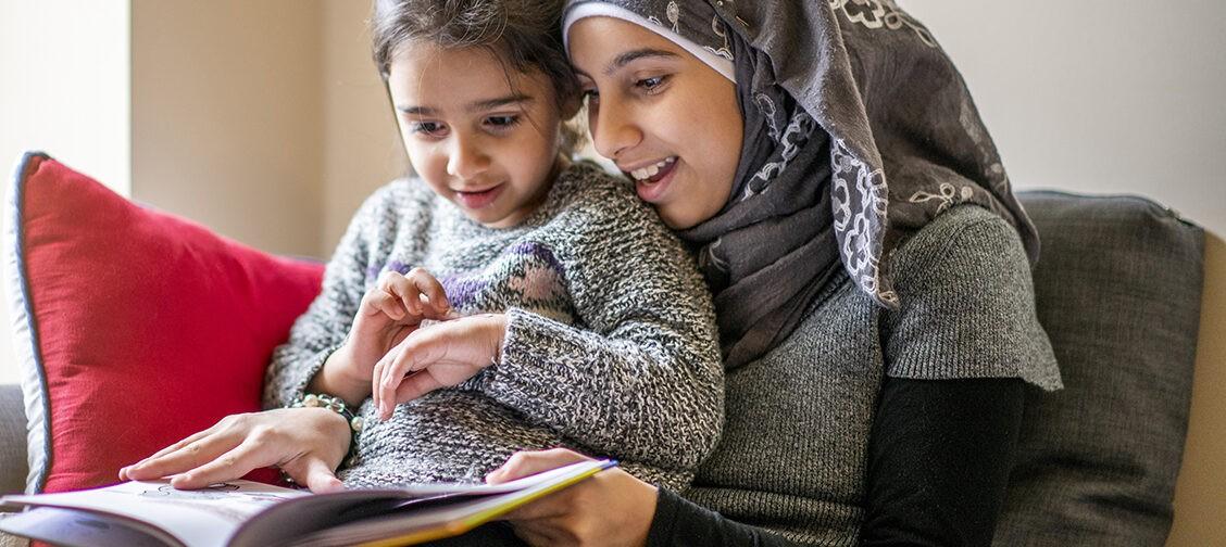 «Одних не берут в школу, других — травят из-за незнания языка». Как дети мигрантов учатся в России