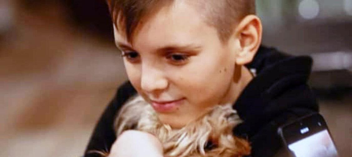 Артем — обычный подросток. Но из-за опухоли он проходил химиотерапию 12 лет подряд