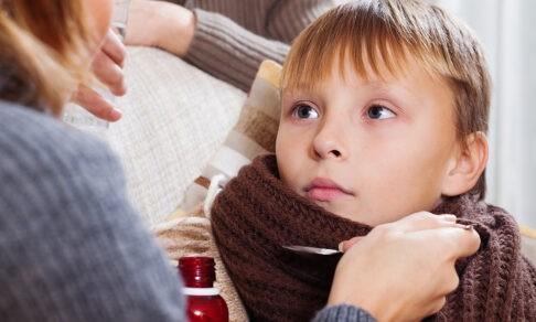 Не пьет таблетки и швыряет ортез в стену. Как лечить подростка, если потом будет поздно?