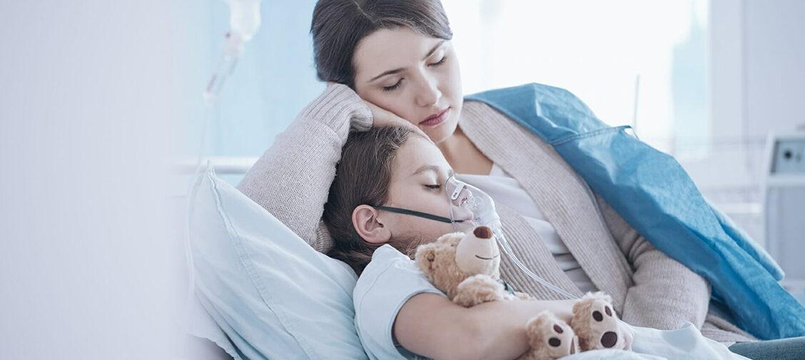 «Мальчик, у тебя опухоль, ну все, иди домой» — как нельзя говорить с детьми о болезни