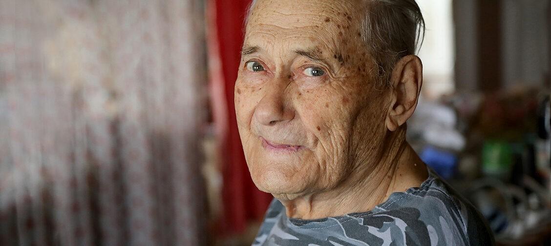«О моей лучевой болезни даже жена не знала  — секретность». Летчик-бомбардировщик Анатолий Байрошевский