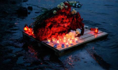17 погибших моряков уже полгода на дне Баренцева моря. Вдовы добиваются расследования и похорон
