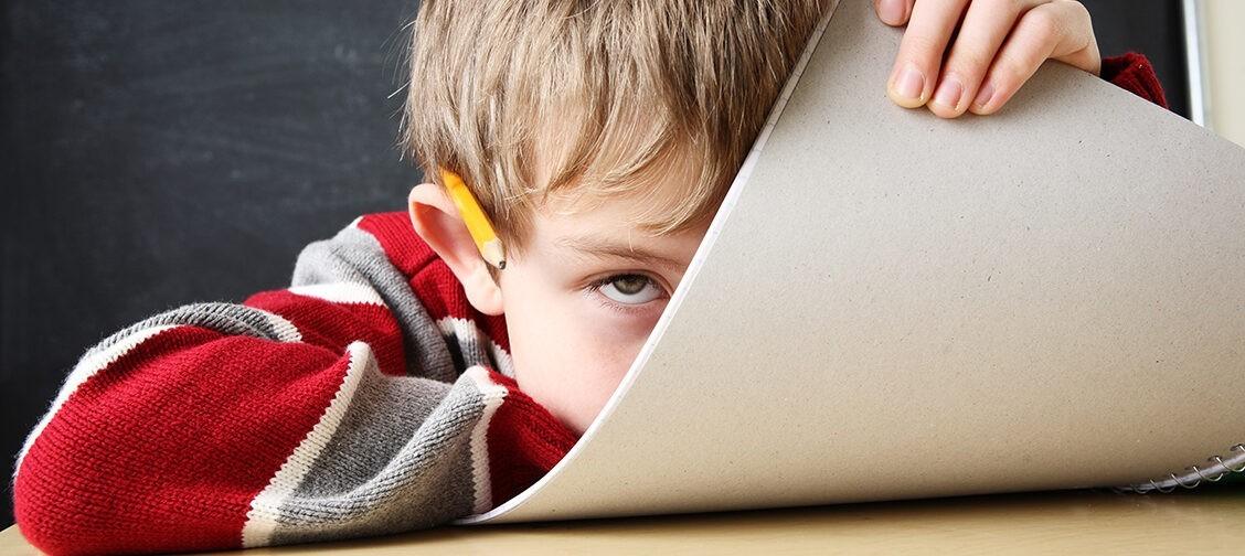 «Ваша дочь — свинья безалаберная!» Как учительница травила детей, а родители установили «прослушку»