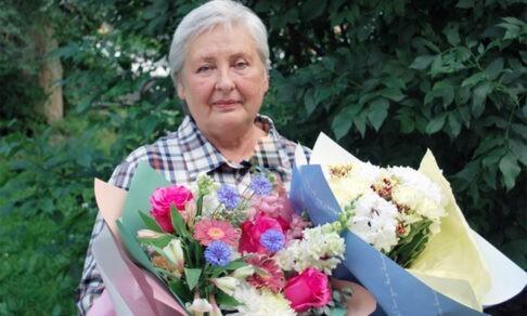 «Он мог разбиться на моих глазах». Светлана Санарова поймала выпавшего из окна малыша