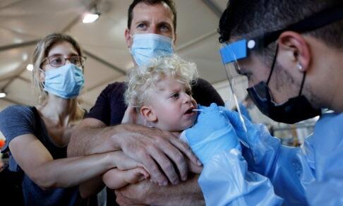В Израиле снова болеют ковидом. В 50% случаев — это дети
