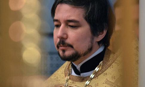 «Нет никакого права на оружие». Священник Дмитрий Агеев