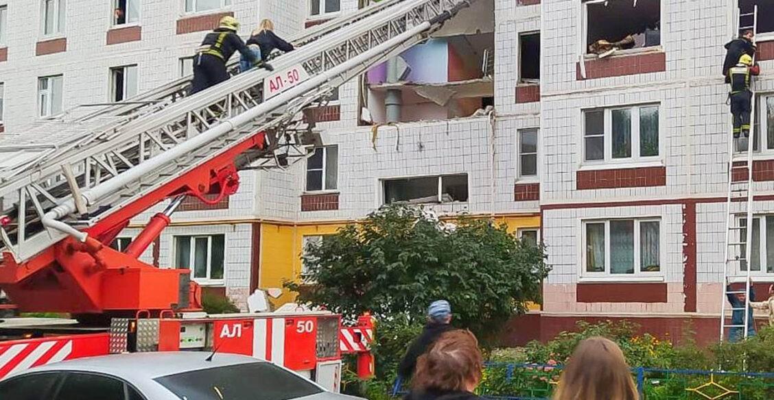 В Подмосковье в жилом доме взорвался газ. Два человека погибли
