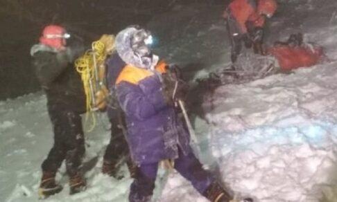Российские альпинисты попали в бурю на Эльбрусе. Пять из них погибли