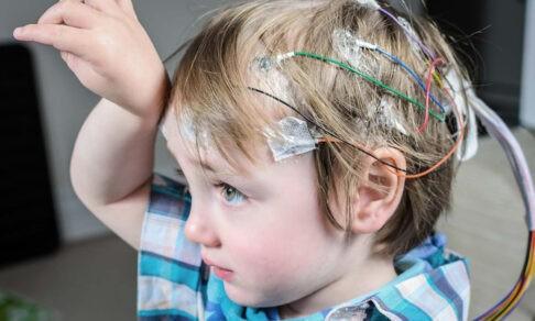 «Без лекарства мы умрем». Дети с эпилепсией не получают препарат, родители живут в страхе полгода