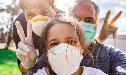 Исследование: маски работают, и люди их надевают, если вежливо попросить